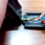 Réhab d'un gamepad Atari : remise en place du moulage du connecteur